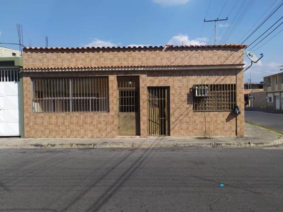 Casa En Venta Sector San José.. Oportunidad 04145957669