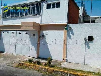 Casa Sola En Venta Prados Agua Azul