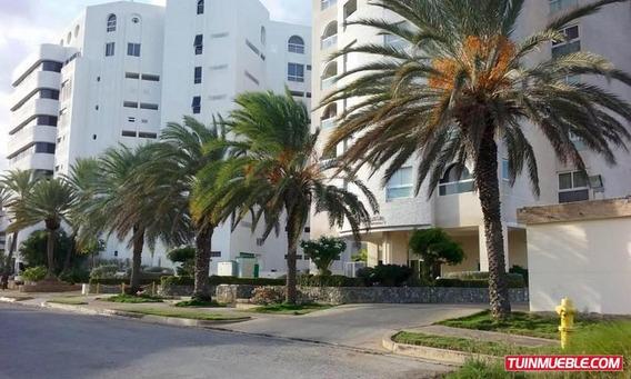 Apartamento En Venta. Urb. Costa Azul