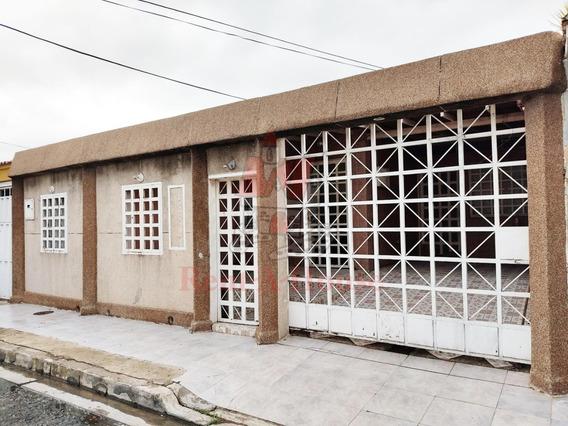 Espaciosa Casa En Venta Villas De Aragua Nb 20-20826