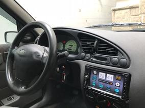 Ford Fiesta Sedan 2003