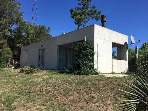 Casa En Punta Colorada A 2 Cuadras Del Mar. Consulte !