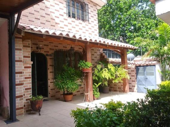 Casa En Venta Trigal Norte Valencia Carabobo 20-847 Prr