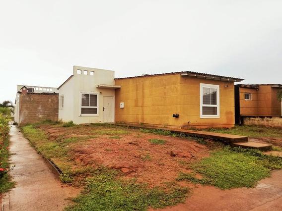 Casas En Venta En Tipuro, Urb. Lomas Del Bosque