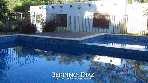 Espectacular Y Preciosa Casa Con Excelentes Comodidades Ubicada En Jardines De Córdoba- Ref: 176