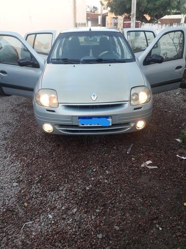 Imagem 1 de 15 de Renault Clio Sedan 2003 1.0 16v Rt 4p