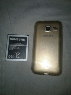 Samsung Galaxy J1i Mini Dúos Dorado