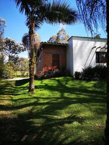 Espectacular Casa En Alquiler, Sector Quirama