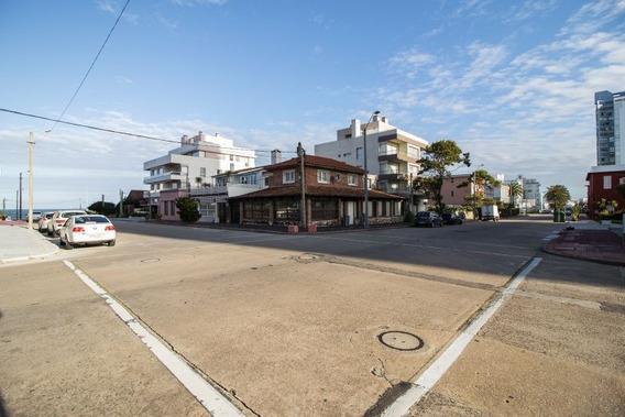Venta De Casa/comercio En Península, Punta Del Este