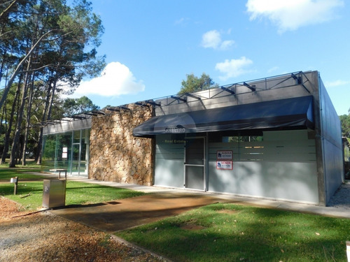 Local A La Venta Y Alquiler En Solanas- Ref: 5776