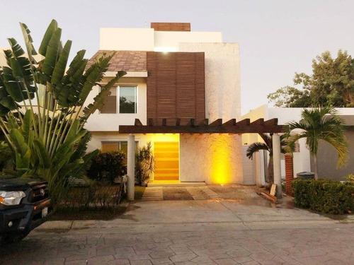 Imagen 1 de 13 de Magnífica Casa En Venta En Residencial Cumbres Cancún C2672