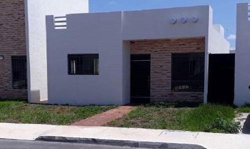 Casa En Renta De 2 Recamaras En Las Américas. Norte De Mérida.