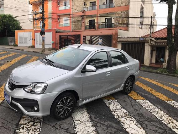Toyota Etios Sedán Platinun 2017 Aut/ S/entrada