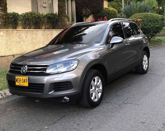 Volkswagen Touareg V6 Tdi 4x4 2012 49.000 Kms Gris 5 Pts