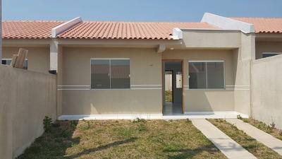 Casa 2 Dormitórios - 2 Vagas De Garagem - Quintal - Cond Fec