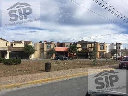 Casa - Fraccionamiento Lomas Del Valle