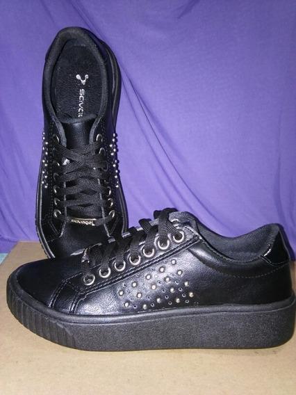 Zapatillas Negra Con Tachas Savage Talle 35