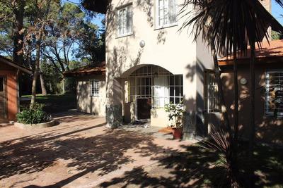 Vendo Casa Av 8 357 Villa Gesell