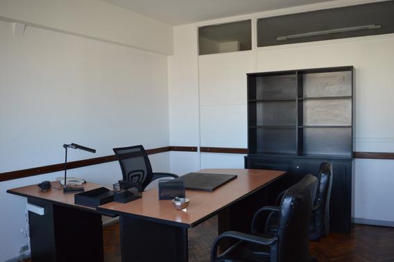 Excelente Oficina Amoblada 5 Despachos/salas
