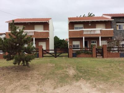 Vendo Complejo De 4 Duplex Frente Al Mar