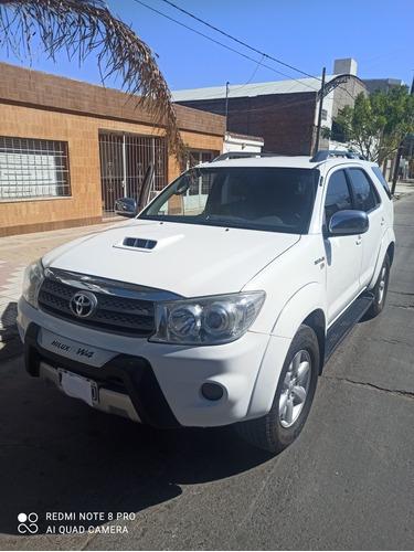 Imagen 1 de 15 de Toyota Sw4 2010 3.0 I Srv At C/cuero 4x4 (2009)