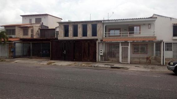 Casas En Venta, En Barquisimeto Codigo 19-2158 Rahco