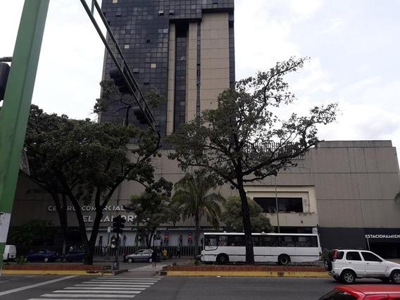 Oficina En Alquiler C.c. Camoruco Cod 20-1319 Ycm