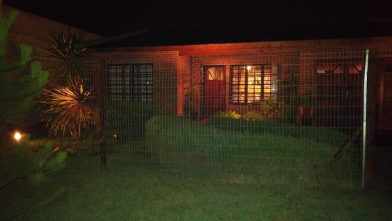 Casa Muy Confortable Con 900 M2 De Parque