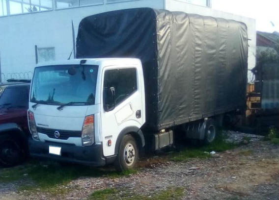 Nissan Cabstar Estacas