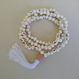 Japamala Com Semente De Açaí Branco 108 Contas Ref: 7772