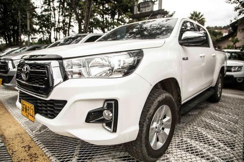 Toyota Hilux 2.4cc Mt 4x4 Diesel 2019