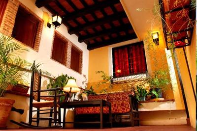 Hotel De 11 Habitaciones Amuelado Zona Colonial