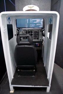 Simulador De Avião E Helicoptero Cabinados