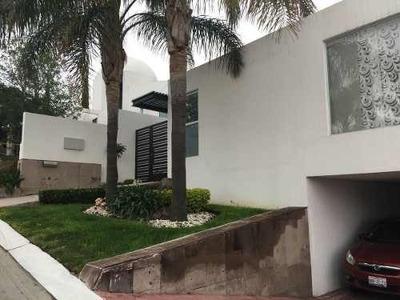 Hermosa Casa En Venta En Fraccionamiento Vista Real !!