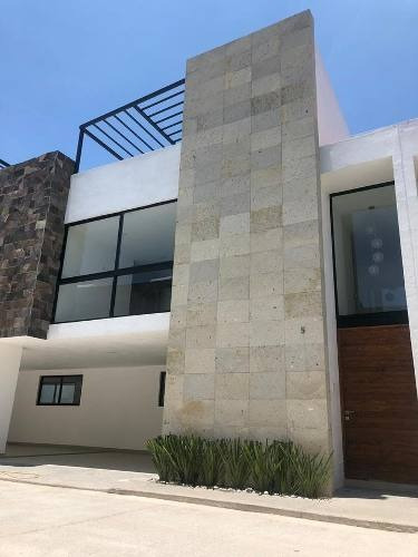 Casa - Unidad Habitacional Momoxpan