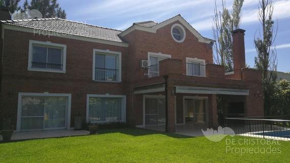 Espectacular Casa En Alquiler Anual 4 Dormitorios Más Playroom, Barrio Castores, Nordelta