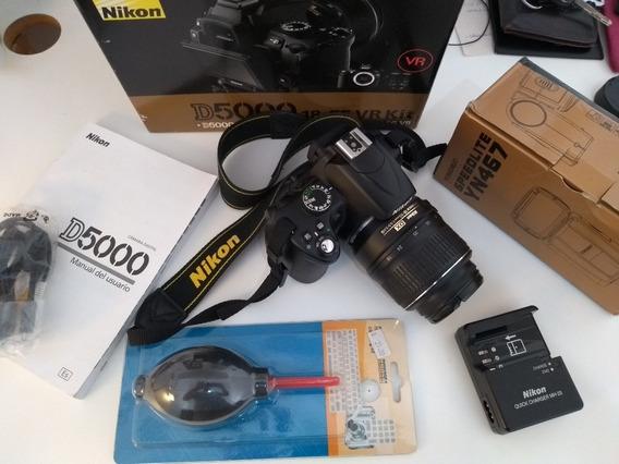 Câmera Nikon D5000 + Lente 18-55mm + Flash Yn467