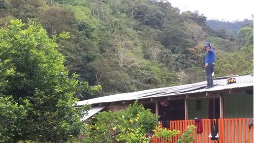 Kit Solar Basico Para Luces, Cargar Celulares Y Radio.