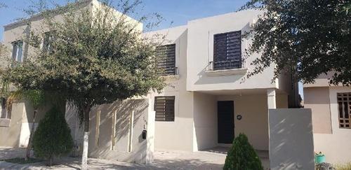 Casa Sola En Renta En Mitras Poniente, García, Nuevo León