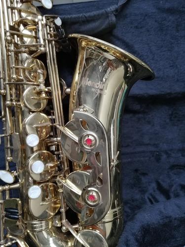 Imagen 1 de 8 de Saxofon Alto Mendine By Cecilio Poco Uso