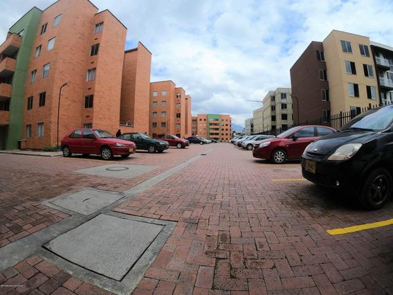 Arriendo Apartamento En Zipaquira Mls 20-460