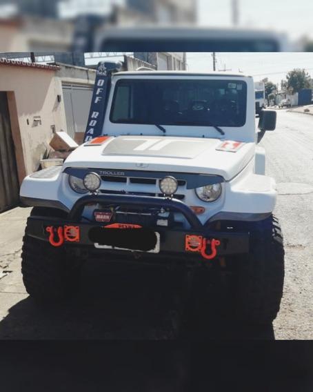 Jeep Troller T4 2006