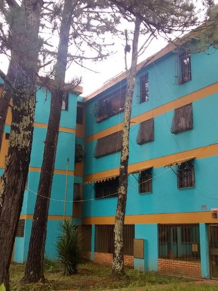 Se Alquila Apartamento En La Unidad Vecinal