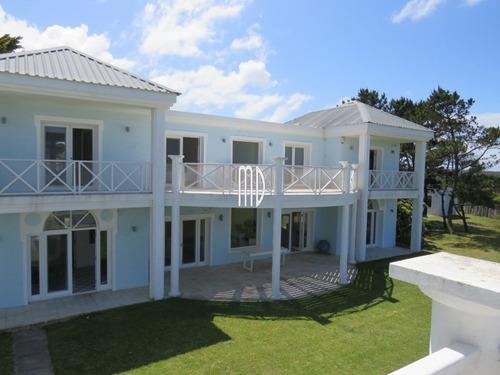 Espectacular Casa En Primera Fila, Punta Piedras- Ref: 5586