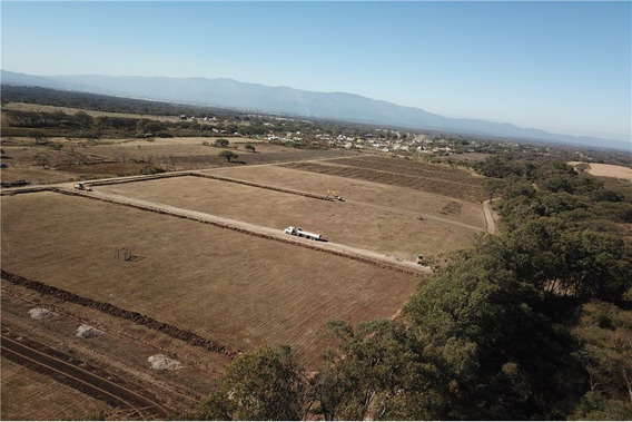 Re/max Noa Ii Vende Terreno En C.c El Ceibal