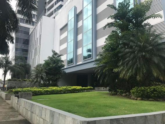 Costa Del Este Atractivo Apartamento En Venta Panamá