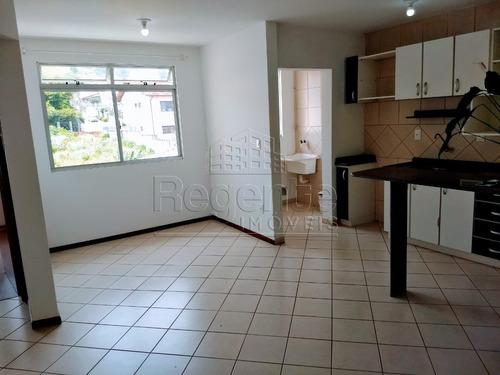 Apartamento A Venda No Bairro Abraao Em Florianopolis - V-77809
