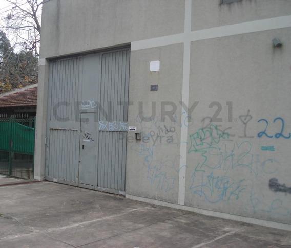 42 Entre 134 Y 135. Galpón En Alquiler, La Plata.-