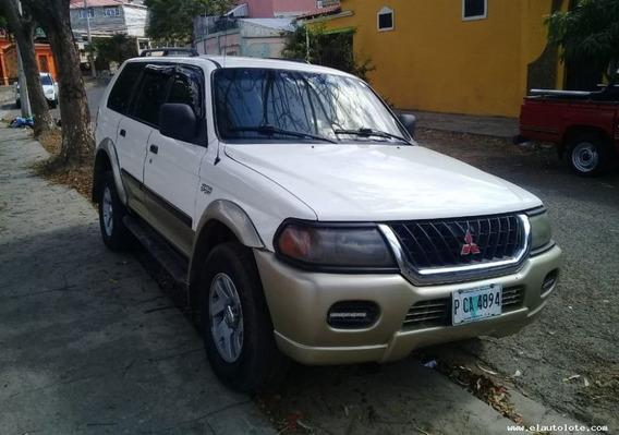 Mitsubishi Montero 2002 Blanca 4 Puertas