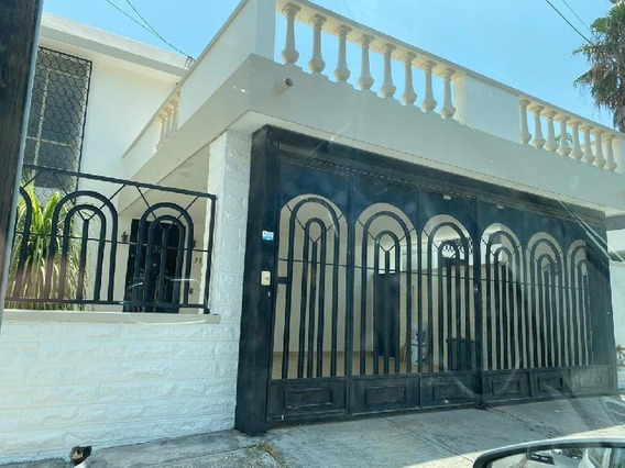 Casa En Renta Primeros Sectores De Cumbres, Excelente Ubicación